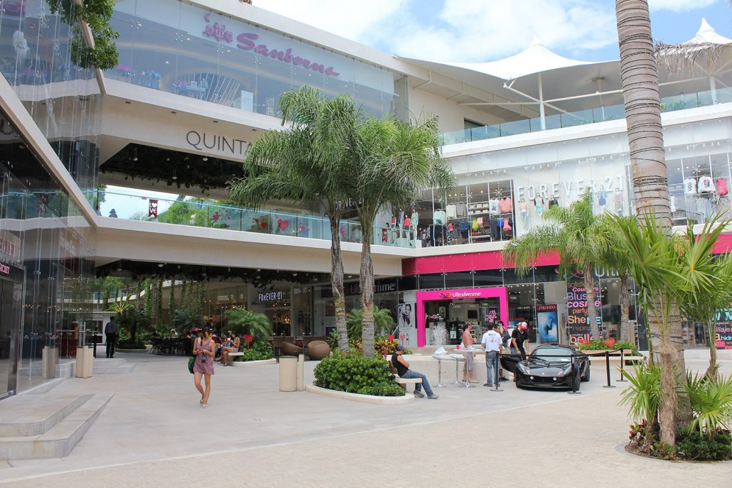 Playa Del Carmen Quinta Alegria Shopping Mall